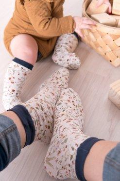 selbstgenähte Socken große und kleine Strümpfe, Babystrümpfe nähen